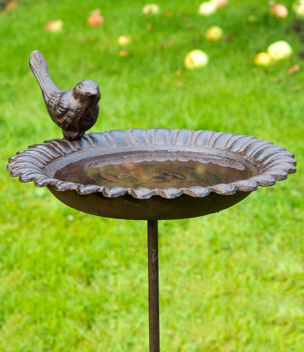 Vogeltränke aus Gusseisen
