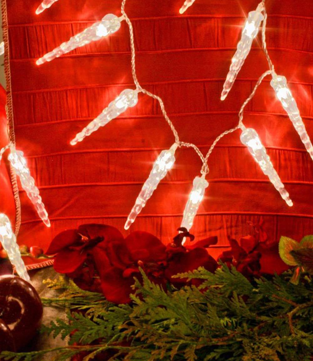 LED-Lichterkette 6m mit 40 'EISZAPFEN' (je Ø2xH10 cm)