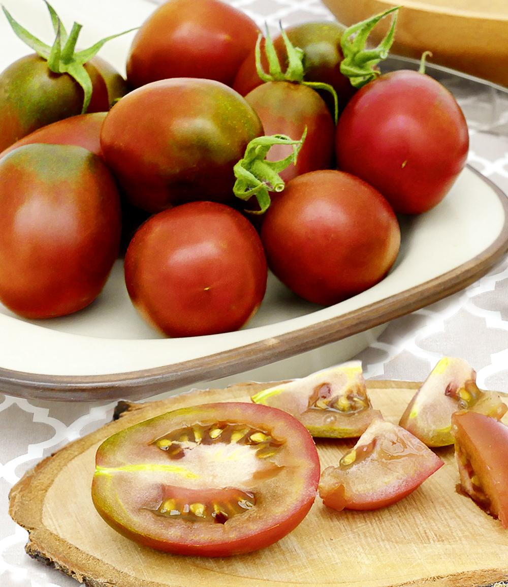 Eier-Tomate 'Schwarze Pflaume'
